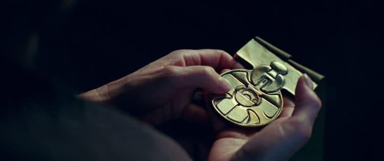 medal of yavin in Episode 9 Rise of Skywalker