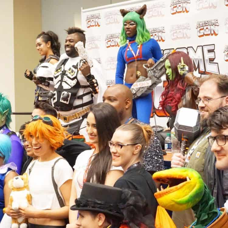 group photo at the professional cosplayer panel