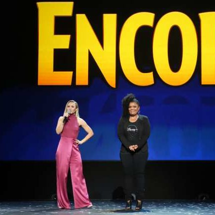 Disney Plus encore d23 expo with Kristen Bell and Yvette Nicole Brown on stage