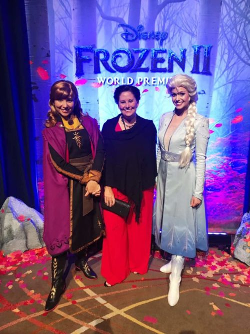 red carpet Frozen 2 after party with anna and elsa