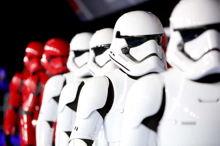 world premiere rise of skywalker red and white storm troopers on the red carpet
